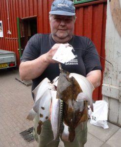 Lasse fra Bramming med sin fangst